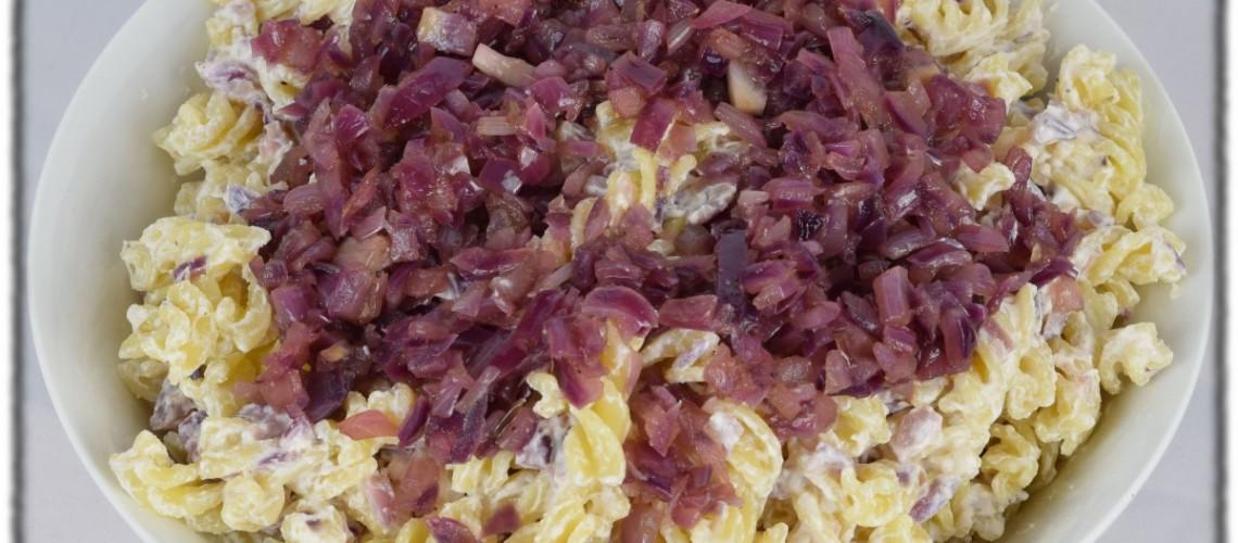 Pasta mit Balsamico-Zwiebeln und Ricotta
