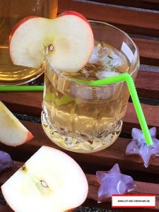 sommerliche Getränke: Magengut Eistee